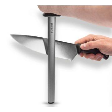Postura del cuchillo al afilar con chaira