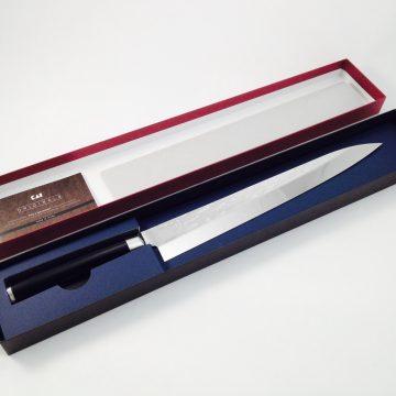 KAI VG-0006 Shun Pro Sho – Cuchillo Yanagiba de 27cm en la caja abierta.