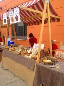 Stand Quesos El Pinsapo de la sierra de las nieves (Málaga) para la Feria-Mercado del Queso Artesano de Andalucía 2015