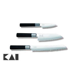 Lote de 3 cuchillos KAI Wasabi Black Mondador KAI 6710P Santoku KAI 6716S Panero KAI 6723B