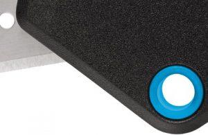 El cúter de seguridad Martor Secunorm Mizar está fabricado en plástico reforzado con fibra de vidrio - Cuchillalia
